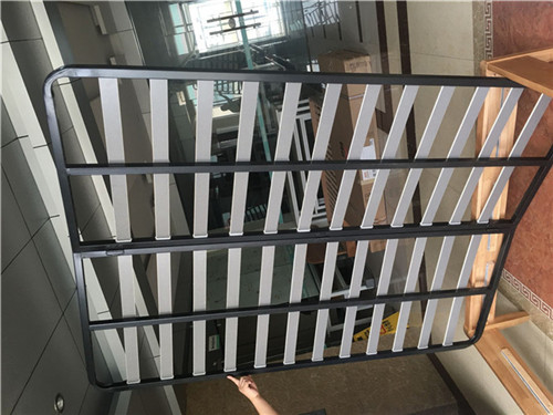 Sturdy metal bed frame, bed frame of various sizes, height adjustable bed legs.
